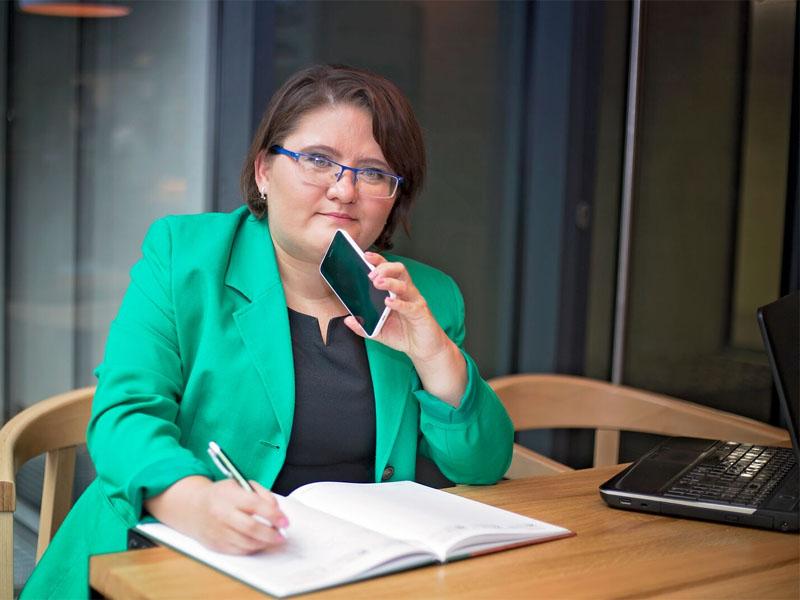 wirtualna asystentka, Elżbieta Nieradko